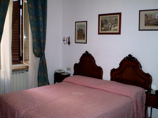 Hotel Parlamento: Bedroom