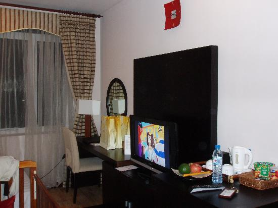 Anise Hotel: LCD TV is Deluxe rooms