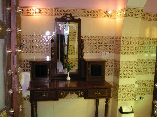 Saba Haveli: bathroom