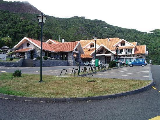 Hotel Encumeada : Vue de l'avant de l'hôtel