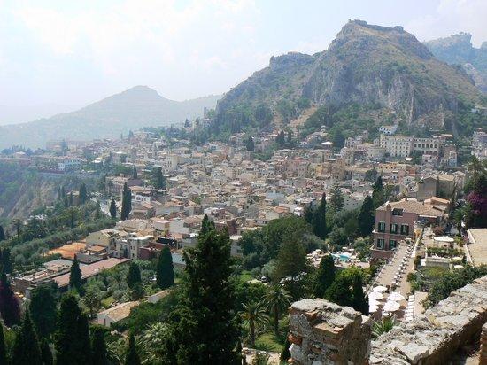 Таормина, Италия: Taormina Hillside