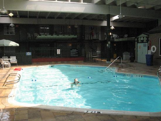 Clarion Inn Frederick Event Center: pool