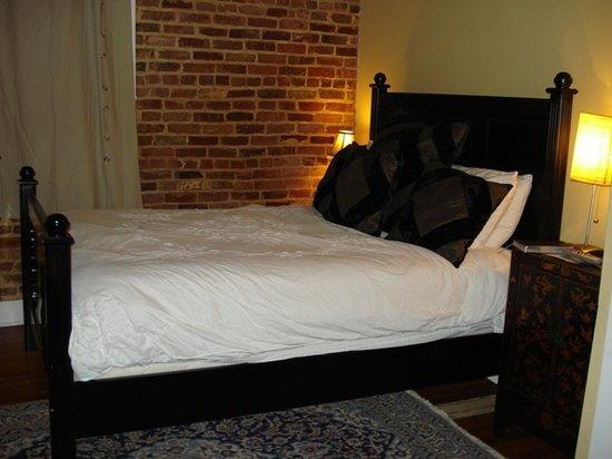 Locust Alley: Super comfy bed