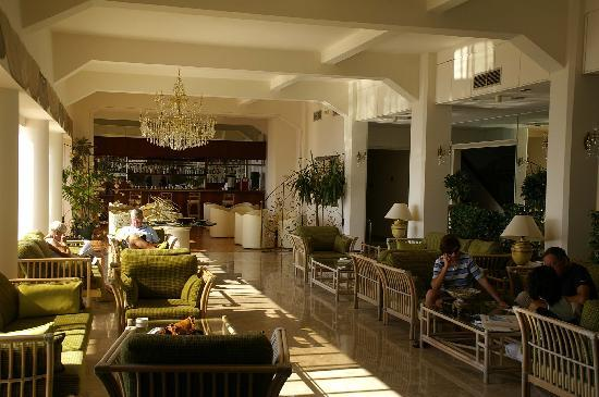 Arkin Palm Beach Hotel : The lounge bar