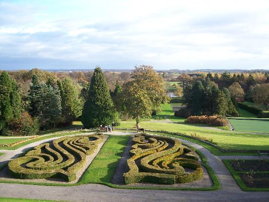 Nidd, UK: The gardens from our room window