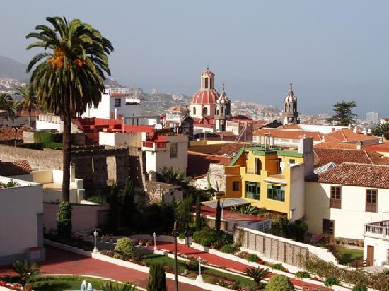La Orotava, España: The iconic skyline from the Victoria Gardens