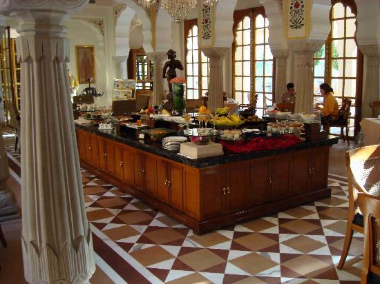 The Oberoi Rajvilas: Breakfast Buffet