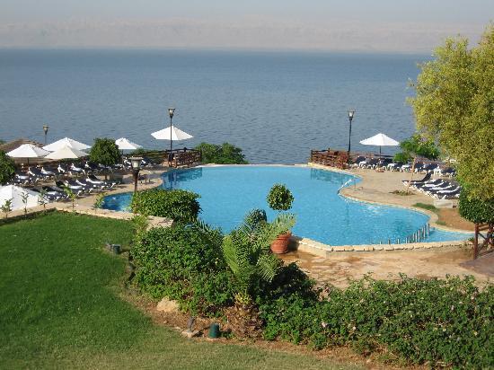 Jordan Valley Marriott Resort & Spa: One of the many resort pools