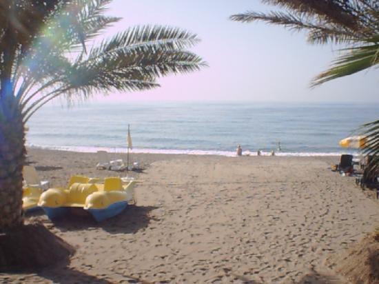 Yetkin Club Hotel: la plage