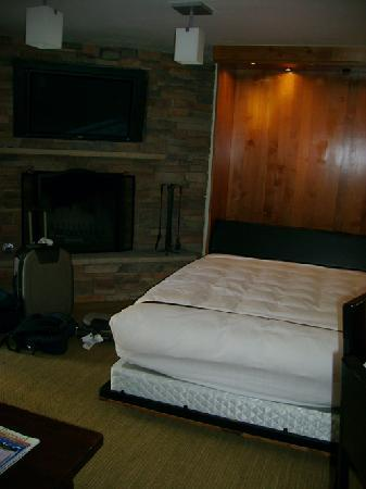 The Lodge at Vail, A RockResort: pull down bed