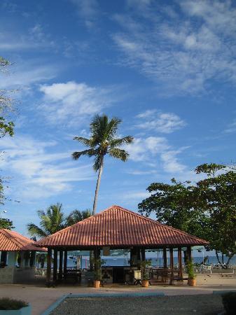 Puerto Plata Village Resort : Bar et resto de la plage