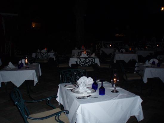 Sandals Royal Plantation : Al fresco dining