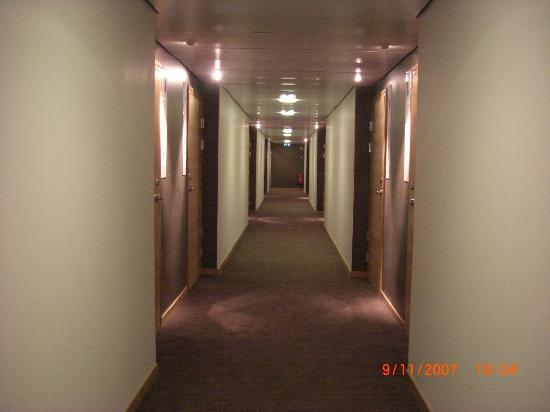 BEST WESTERN PLUS Time Hotel: The corridor