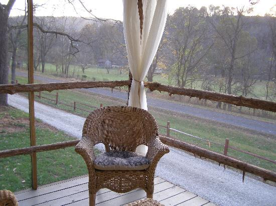 New River Retreat: Screened porch of MB