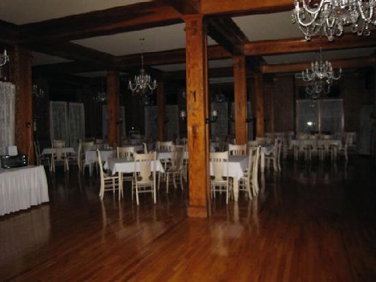 Creepy dining room dining room ideas for 1911 restaurant at the terrace inn