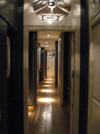 Market Hotel: Hall Way