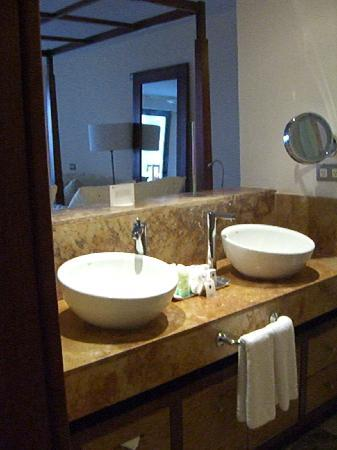 Excellence Playa Mujeres: vanity before they installed our mirrors