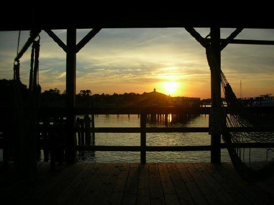 Water's Edge Inn: Sunset from the pier.
