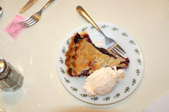 The Cafe : Best Pie Ever, 3 berry