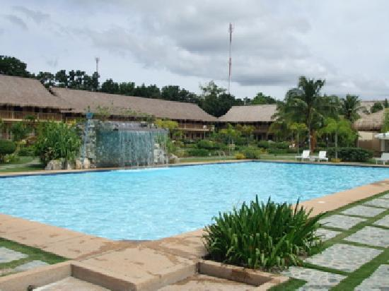 Bohol Beach Club: The main pool