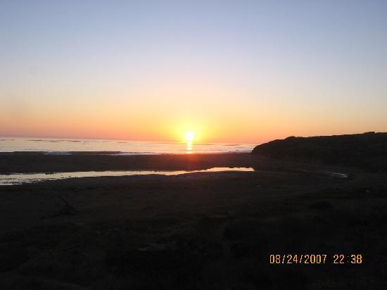 San Simeon State Park: sunset beach