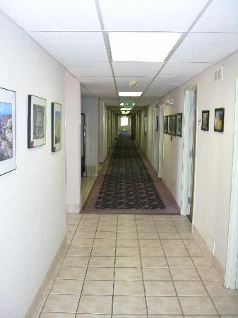 Days Inn Torrey Capital Reef: The Hallway