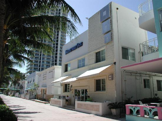 Hawaii Hotel: hotel outside