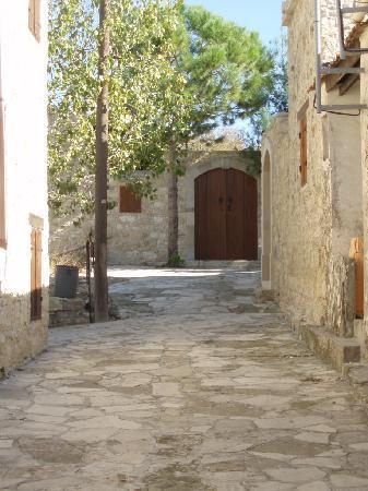 Lofou Agrovino: lofou village