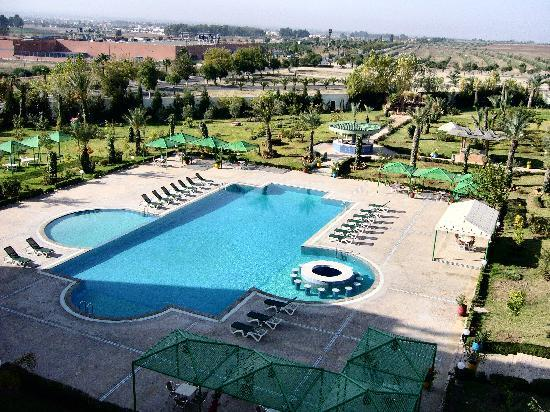 Zalagh Parc Palace: ONE OF THE POOLS