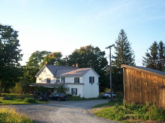 Ingalls Crossing Farm Bed & Breakfast : the house