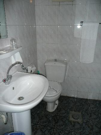 Cairo Khan Suites Hotel : Bathroom 2