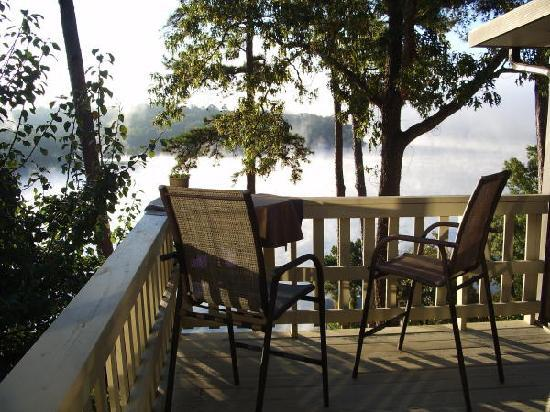 Overview Bed & Breakfast on Lake Hamilton Image