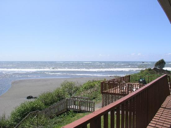Lowden's Beachfront Bed & Breakfast: Good Morning View