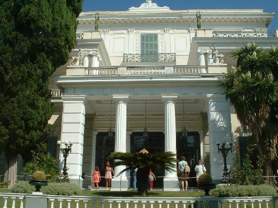 Corfu, Greece: palace of achillieon