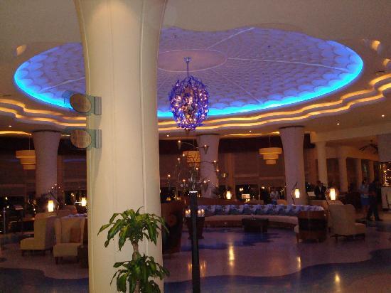 Danat Jebel Dhanna Resort: Eingangshalle