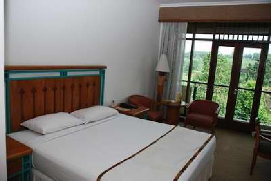 Lido Lakes Resort & Conference: Bed