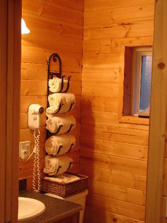 Wild Pacific Ocean Front Cabins: Partial view of bathroom