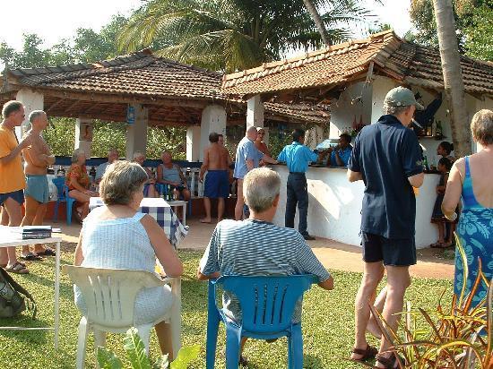 Dona Sa Maria: garden Bar