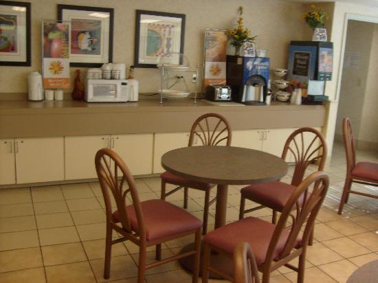 Sleep Inn: Breakfast area