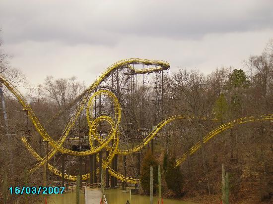 Busch Gardens Williamsburg: Loch Ness Monster