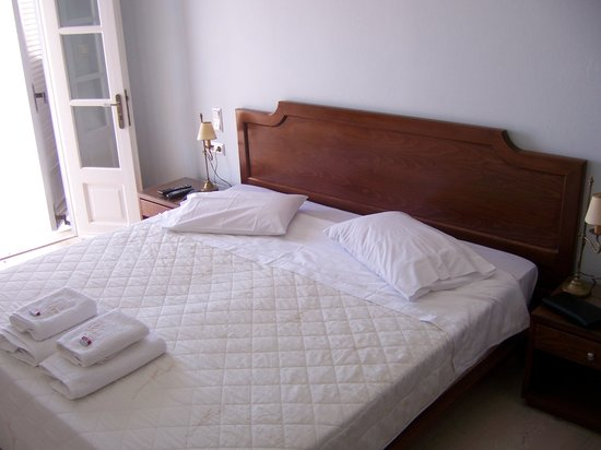 Villa Renos: Our bed