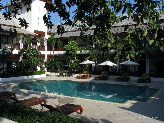 Rimping Village: Hotel-Ensemble unterm Gummibaum