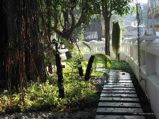 Rimping Village: Tropisch, eine Oase in der Stadt