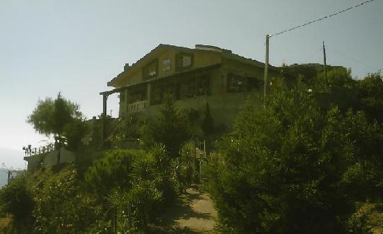 Villa Valview Holistic Retreat: The Property Entrance
