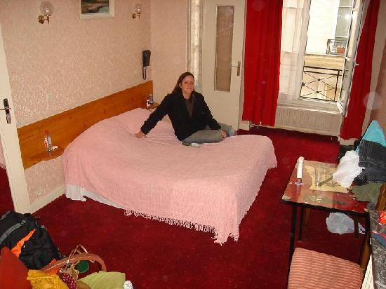 Tiquetonne: The room we stayed
