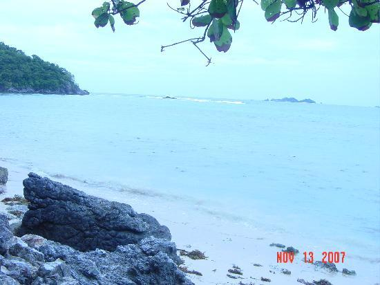 Beach found in Coron,Palawan,Philippines and has a very nice view!!