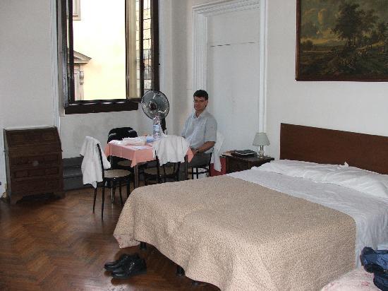 Room 3, Hotel San Giovanni