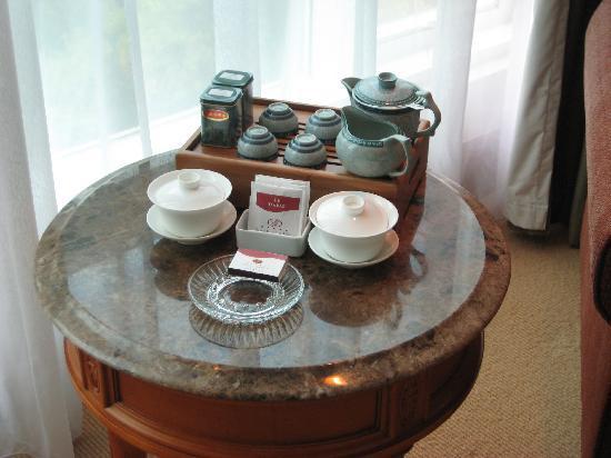 โรงแรมแกรนด์เบย์วิว: Room - tea area