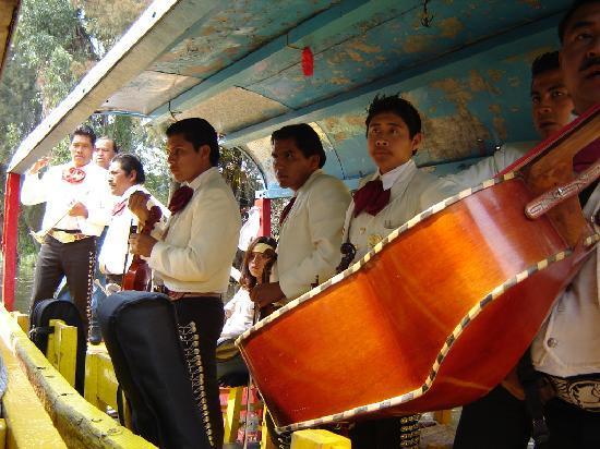 Xochimilco : A mariachi will play for 150 pesos