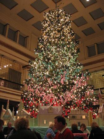 View of the great tree from our table at the walnut room for 111 n wabash 7th floor chicago il 60602